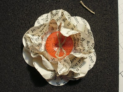 Scrunched flower - ilinacrouse