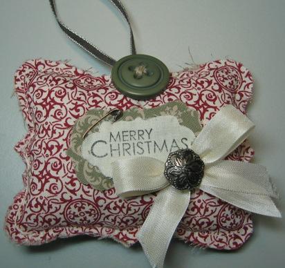 Darla - fabric ornament top note
