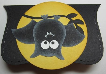 Demo - linda bat moon topper