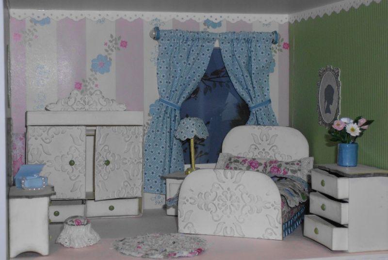 5 dollhouse - bedroom