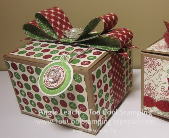 Gift boxes - two cool peek
