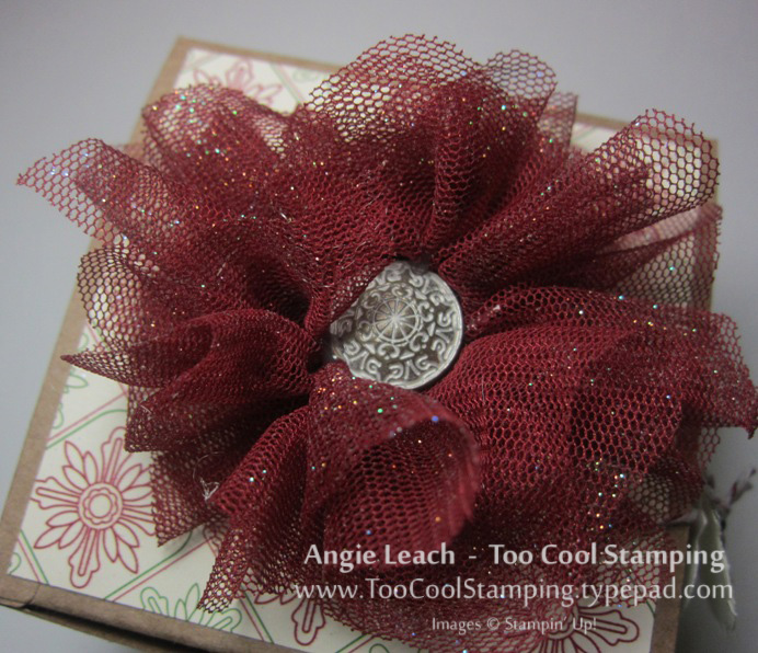 Gift box - tulle top