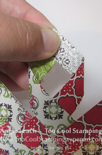 Candlelight ornament - 9 glue corners