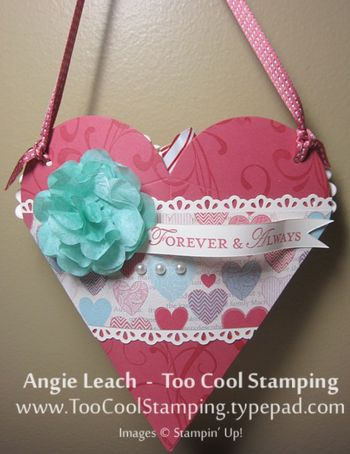 Heart pouch - hanging wall