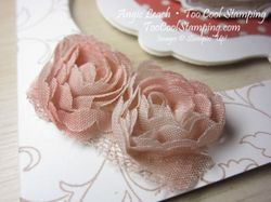 Dress up - floating framelit roses