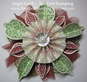 Holiday ornament framelits