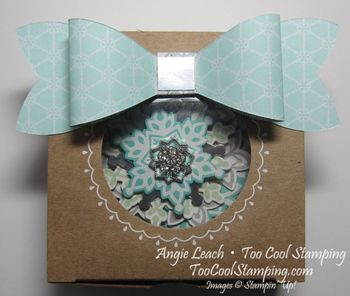 Festive flurry ornament3