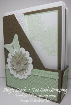 Magazine Holder - pistachio
