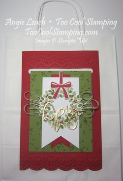 Wondrous wreath joy card hanger