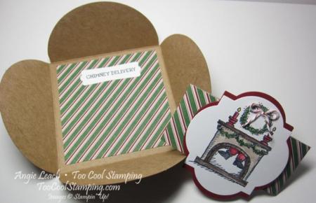 Santa on gift card - stripes open
