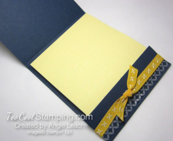 Delightful daisy post it note holder - navy 3