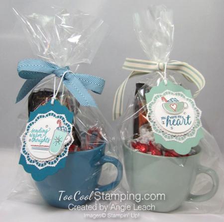 Hug mugs - blue & mint