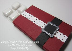 Santa buckle - gum holder 2