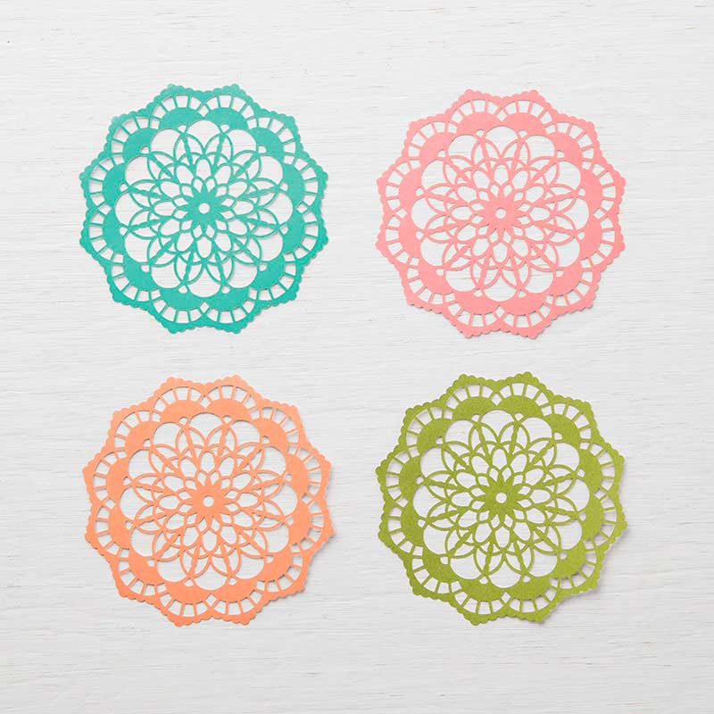 Colored doilies 146935G