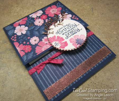 Everything Is Rosy Pull-Up Gift Card Holder - navy floral 2