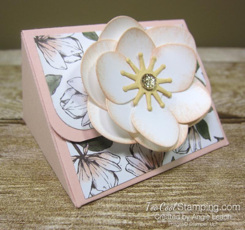 Magnolia lane triangle box - flower