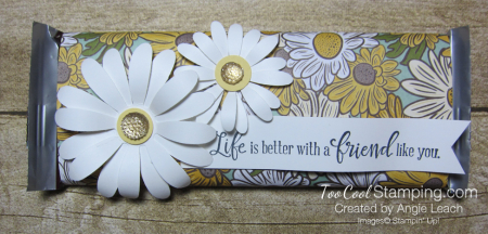 Ornate garden chocolate bar - daisies