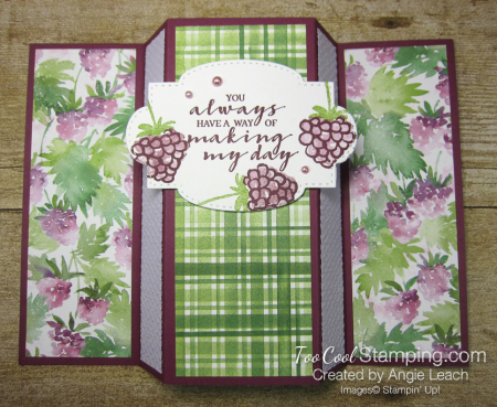 Berry blessings stand up card - razz 2