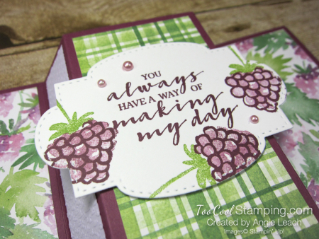 Berry blessings stand up card - razz 3