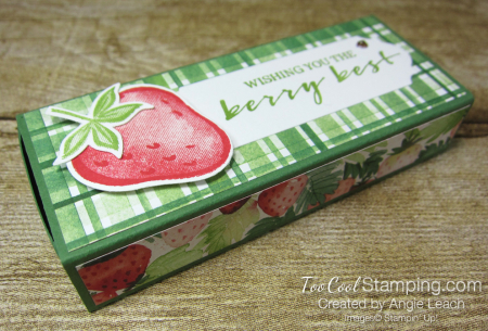 Chocolate hearts treat box - strawberry 1