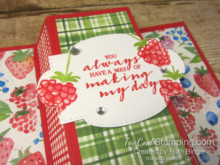 Berry blessings stand up card - bingle 1