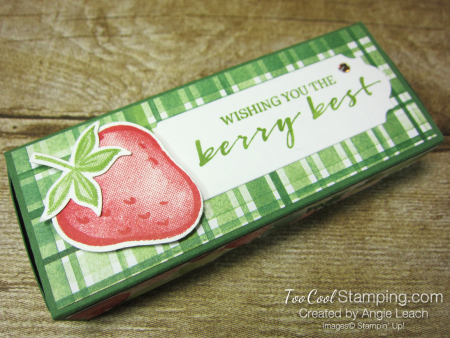 Chocolate hearts treat box - strawberry 2