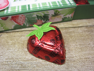 Chocolate hearts treat box - strawberry 4